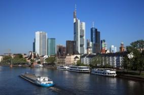 Frankfurt - skylinie am Main
